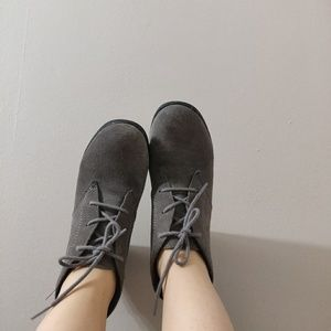 White Mountain Shoes - Grey Suede Lace Wedges -- white mountain